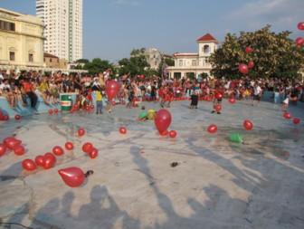 Performance de Joëlle Ferly. Biennale de la Havane Cuba Mai 2012