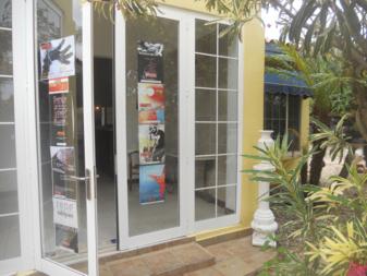 L'entrée de la Fondation Primer Encuentro Bienal à Aruba