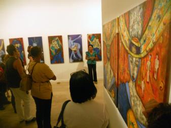 Visite de l'exposition de Patricia Donatien à L'Atrium. Visit of the exhibition of artist Patricia Donatien at the Atrium