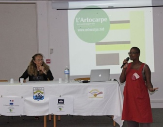 We had a gerat conference from Scarlett Jesus, art critic and member of L'Artocarpe