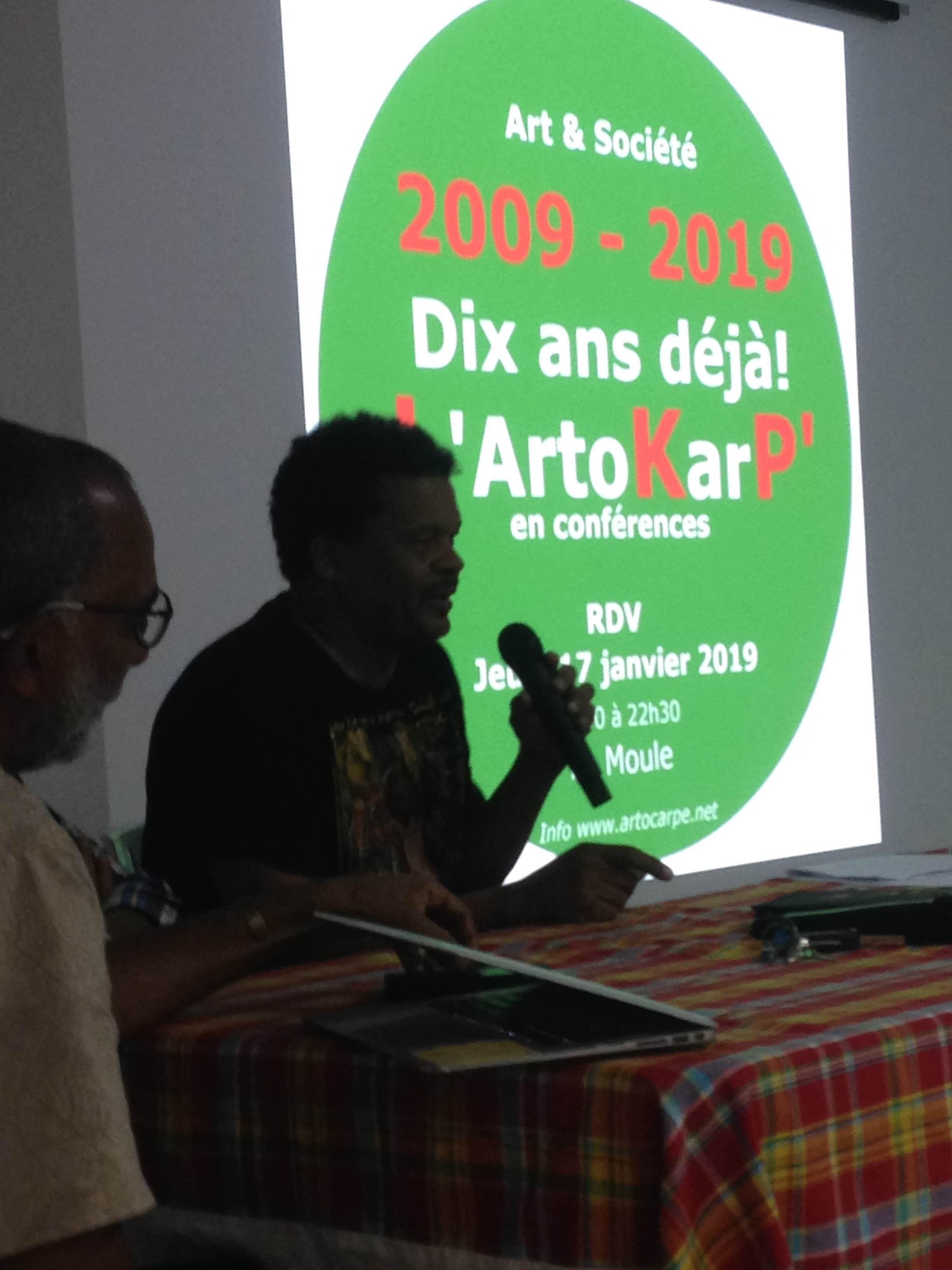 Le leader du LKP, Mr Elie Domota a cloturé cet événement-anniversaire de L'Artocarpe, qui tenait son événement conférence autour de la thématique Art & Société. Le LKP fêtant ses 10 ans également...