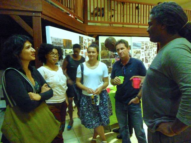 Ivelisse meeting photographers Daniel Goudrouffe and Laurent Debompuis at the art school of Guadeloupe