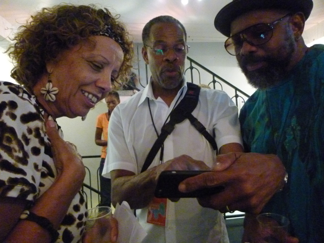 Filmmakers Steve & Stephanie James reuniting with Roy Wallace at the opening of the one-day show. ALL PICTURES: L'Artocarpe